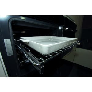 Pure white Baking pan in Gres  39x32 H35